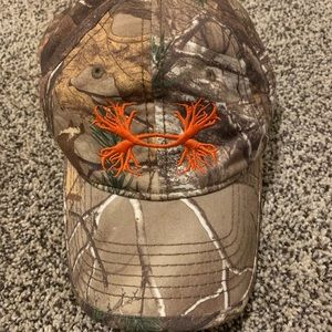Under armour hat , adjustable, camo, realtree